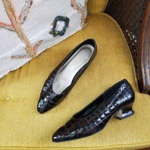🆕️ Vintage - Patent Leather Kitten Heels